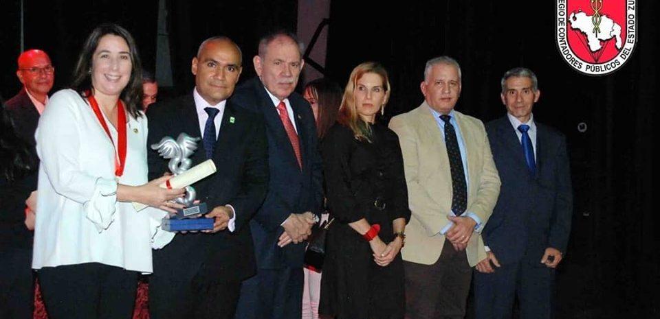 El CCPEZ, otorga el premio Laya Baquero a destacados colegas.